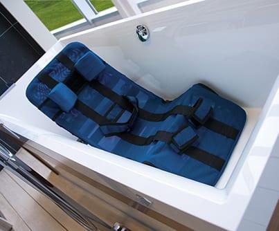 Leżaczek do kąpieli dla dzieci z MPD PEPI VERMEIREN